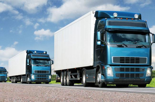 Entenda a Lei do Farol Aceso e o efeito dela em seu caminhão