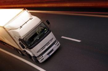 A importância de aerofólios para caminhões